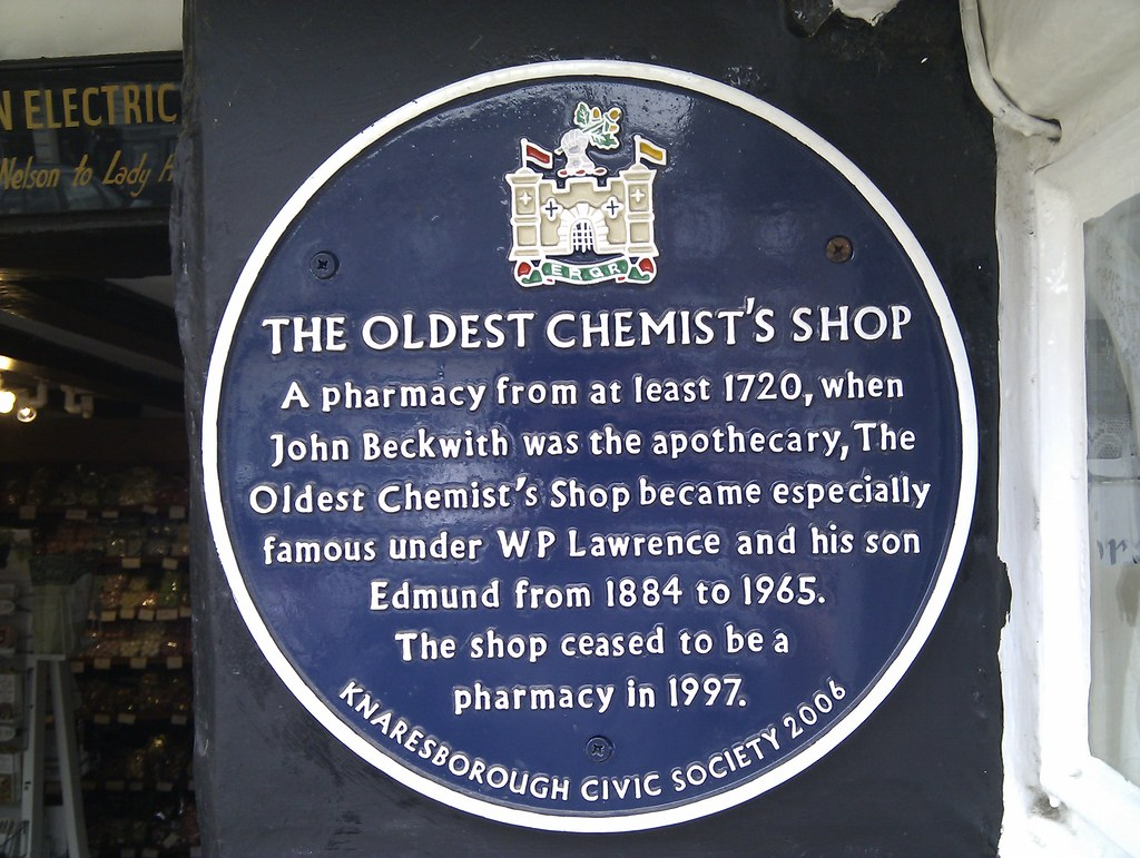 Photo of John Beckwith, The Oldest Chemist's Shop, Edmund Lawrence, and W. P. Lawrence blue plaque