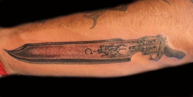 Final Fantasy VIII Gun/Knife Tattoo. Paulo Madeira