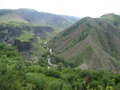 Canyon Garni, Armenia (Lea_from_Armenia) Tags: mountain green temple canyon armenia armenian armenio armenien caucas garni armenie armeno caucasia hayastan armenienne hayasdan armenisch