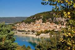 Le village au bord de l'eau - Bauduen (Var) (Charlottess) Tags: day village lac clear provence var verdon villagesandsmalltownsoftheworld leuropepittoresque