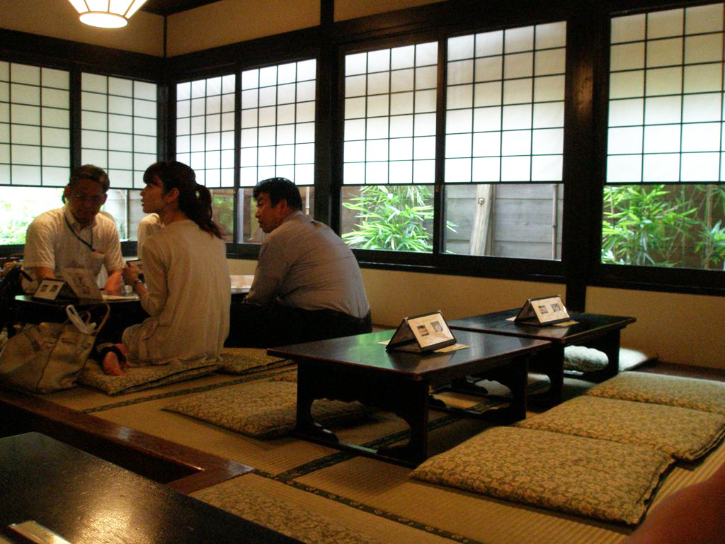 The art of the walk for gastronome in Kanda  soba