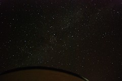 Va lctea sobre el observatorio de Forcarei (Fjur) Tags: sky night stars noche nikon astrophotography cielo astrofotografa estrellas milkyway valctea perseidas perseids d80 forcarei lgrimasdesanlorenzo tecendoredes fjur ricardosamaniego
