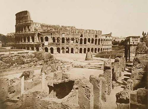 ARCHEOLOGIA IN POSA - Dal Colosseo a Cecilia Metella nell'antica documentazione fotografica.