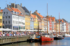 Boats in Nyhavn (Appaz Photography ) Tags: city travel copenhagen denmark nyhavn capital capitol touristattraction attraction kbenhavn beautifulplaces hovedstad turistattraktion