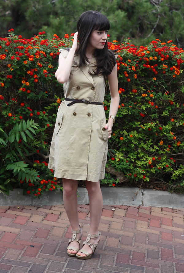 trench_dress1