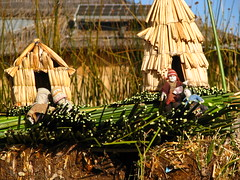 Uros (·:·: carla :·:·      [turistóloga]) Tags: peru uros titicaca canon lago isla puno sudamerica islaflotante totoras s5is
