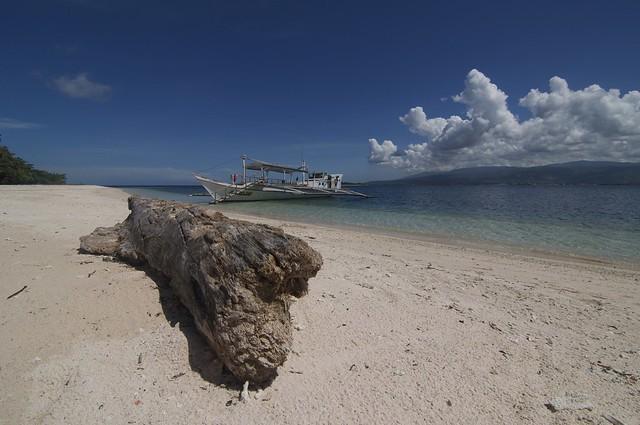 Pink Beach Sta Cruz Island