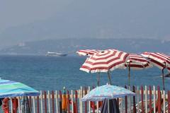 Una giornata d'estate a Ventimiglia (Matteo Bimonte) Tags: sea mare estate liguria ombrelloni ventimiglia ombrellone