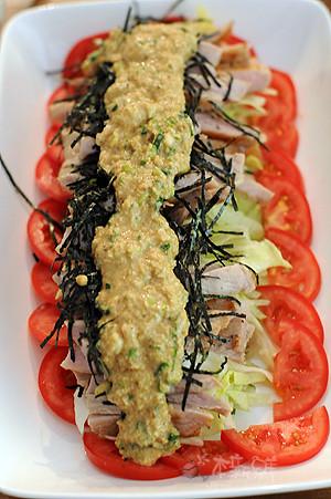 沖繩風蔬菜佐霜降豬肉芝麻鹽蔥風味