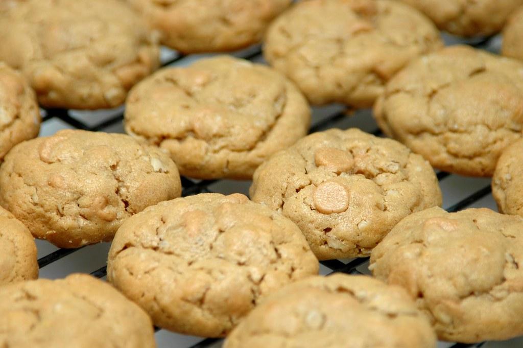 peanut-butter-oatmeal cookies