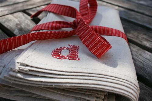 monogramed linen napkins