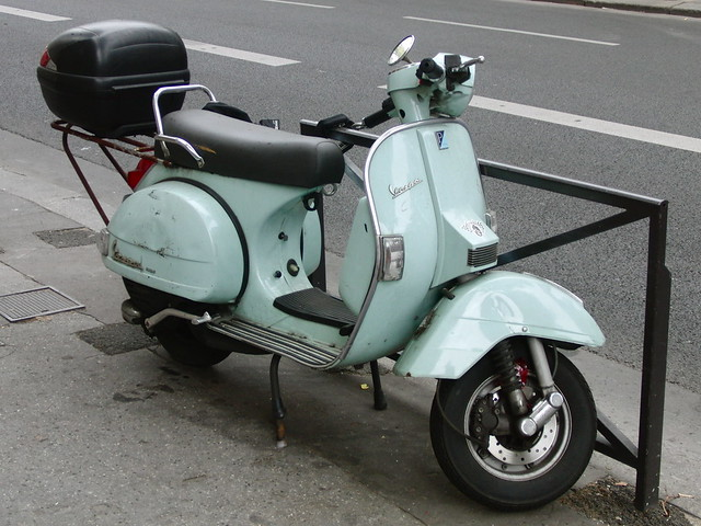 Vespa in Paris