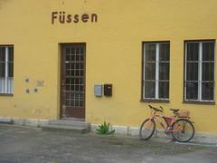 Fussen, Germany (cyq528491) Tags: alps castle bike yellow germany munich bayern bavaria town europe village central autobahn db doorway neuschwanstein bahn fussen hohenschwangau schwangau 5photosaday
