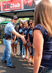 Brad Paisley meeting Water = Hope volunteers