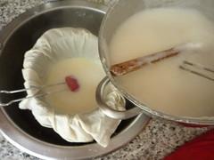 Making tofu (kattebelletje) Tags: tofu  doufu homemadetofu tofufromscratch tofumaken zelftofumaken