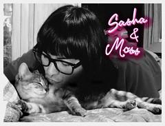 Sasha & Me 7 (MYLEReMOSS) Tags: como love moss kiss kitty kisses gata sasha comer abrazo gatita myler embarazada panza pancita myleredsonmoss hugsglasses nikykiux