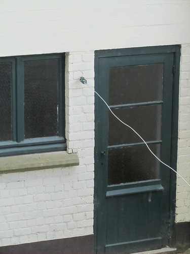 Window - Washing line - Door