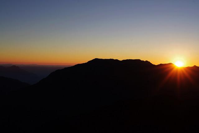 20101128_福壽山~笑看嫣紅染半山, 逐風萬里白雲間~