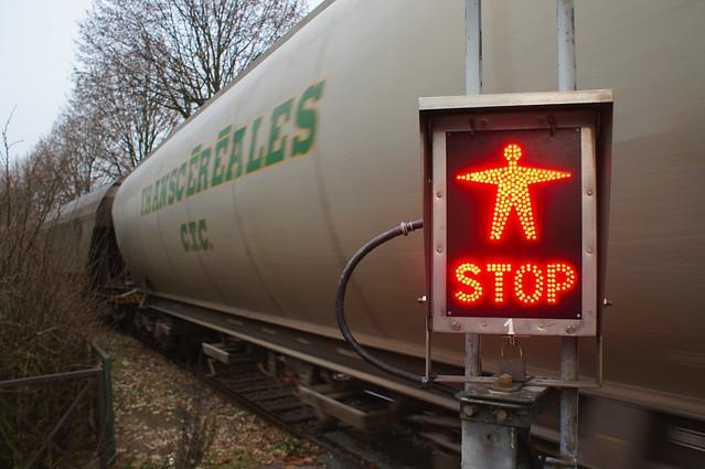 Stop à un passage à niveau