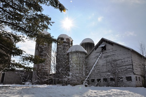 4 silos & barn