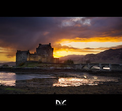 Eilean Donan Sunset (Coco Carrigan) Tags: sunset castle canon landscape scotland highlands scottish april manual loch avril eilean donan dri 2010 blending duich 400d