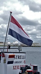 dutch colors  explored 02-07-2017 (Roel Oortwijn) Tags: rood wit blauw red white blue vlag flag ship boat kleur color dutch nederlands haven harbour amsterdam explore