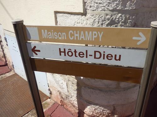 Place Docteur Jorrot, Beaune - sign - Maison Champy - Hôtel-Dieu