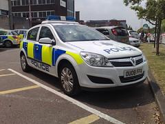HERTS POLICE ASTRA (NW54 LONDON) Tags: vauxhallastra hertfordshirepolice