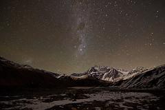 Noche en los Andes (ik_kil) Tags: chile regionmetropolitana night noche nightshot andes nocturna montaas milkyway vialactea cordilleradelosandes