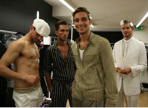 Texas Olsson3054_SS11_Milan_Dolce&Gabbana BS(WWDcom)