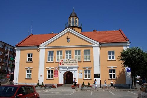 Fasada budynku ratusza w Nidzicy