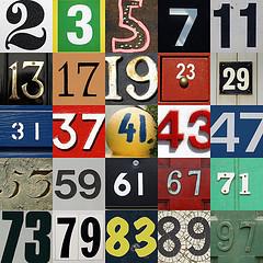 Los primeros 25 números primos