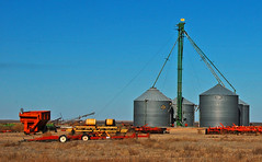 Leg (wilsonti) Tags: family oklahoma lift farm leg grain bin mckinley ok hooker