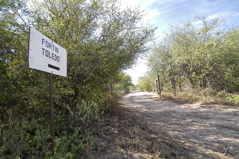 Camino a Fortín Toledo  (Tetsu Espósito - Fortín Toledo, Chaco, Paraguay)