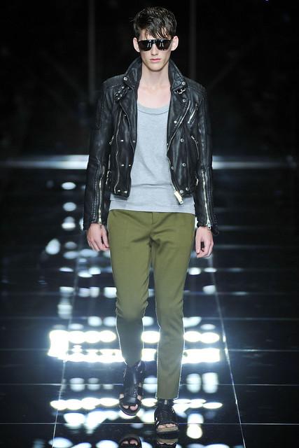 Sebastian Brice3018_SS11_Milan_Burberry Prorsum(VOGUEcom)