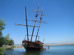IMG_1269 (Ullysses) Tags: ontario canada ferry niagara shipwreck lakeontario pirateship beamsville townoflincoln jordanstation leprogress jordanharbour lagrandehermine