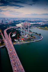 The Flyer & The Bridge (Jenis) Tags: singapore cpl benjaminshearesbridge marinabaysands thesingaporeflyer