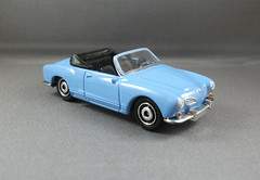 Matchbox Karmann Ghia Convertible (adriano_gatilho) Tags: miniatures 2009 matchbox 411 diecast matchboxcars readyforaction matchboxtoys highlydetailed heritageclassics n5441