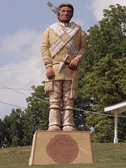 Loretta Lynn's Indian Statue