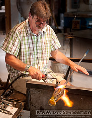 Charlie Miner works on a vase (DaveWilsonPhotography) Tags: newmexico art glass craft blowing vase nm glassworks glassblower tesuque charlieminer