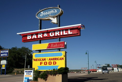 joseph's bar & grill neon sign