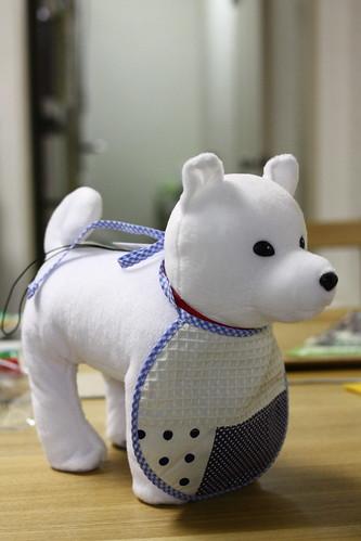 白い犬とスタイ