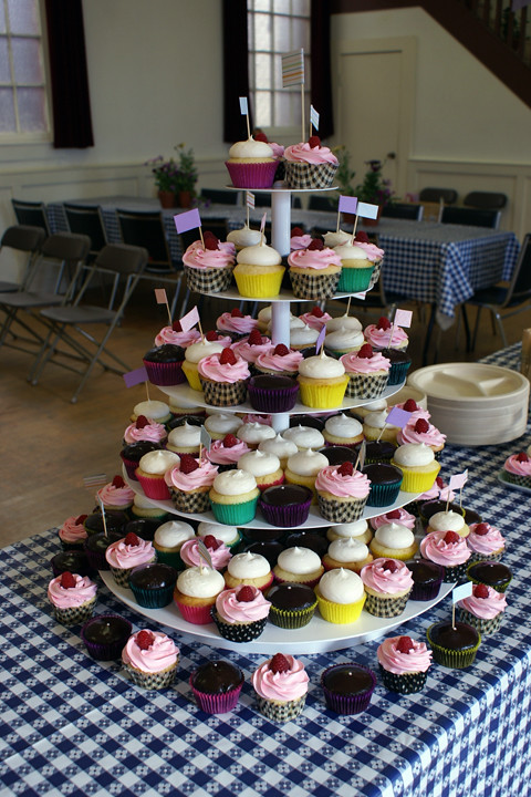 country hoedown wedding cupcake tower!