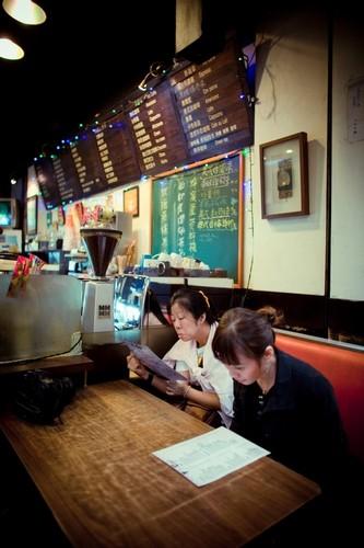 one of the shops in wu fen pu taiwan