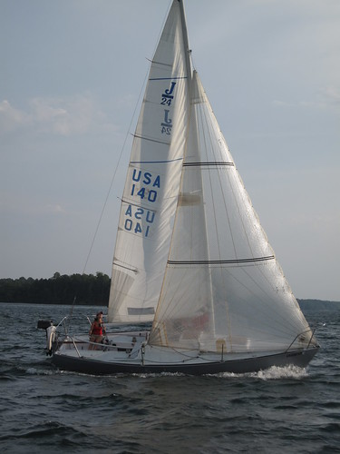 lake sailboat sailing racing lanier