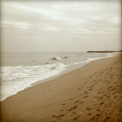 PASEO... (MARISA1005) Tags: sea textura mar playa vilassar cuadrado mywinners texturesquared magicunicornverybest