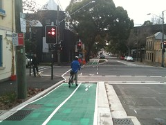 The maligned bourke street cycleway (yewenyi) Tags: trafficlights sydney australia nsw newsouthwales intersection aus bourkestreet syd redlight cycleway biycle woolloomoolloo eastsydney bicycletrack bourkestreetcycleway