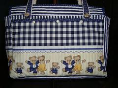 """Bosa para pertences do Beb com tecidos da Casa dos Panos (""""Feltro Flor"""") Tags: quilt patchwork bolsa bolsas aula molde tecido bordado costura necessaire"""