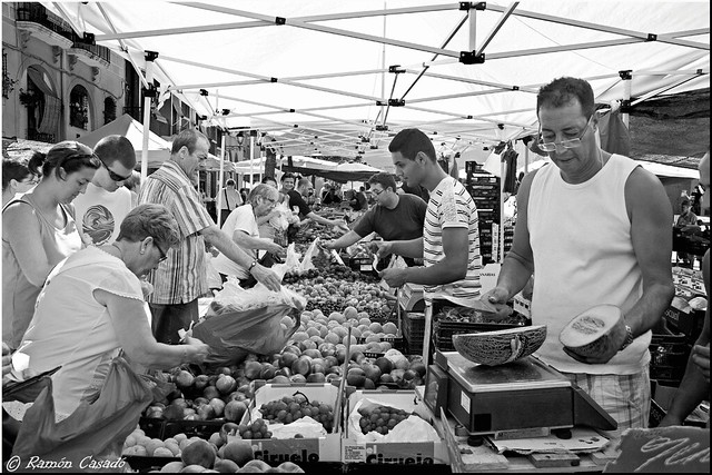 Mercadillo de fruta y verdura--El Worldwide Photowalk
