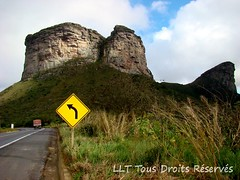 Morro do Pai nacio-BA (Laurence L.T.) Tags: voyage road trip brazil brasil route bahia viagem ba placa trnsito brsil estarda duetos br242 morrodopainacio